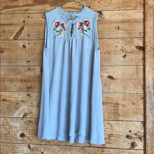 Umgee floral embroidery tunic